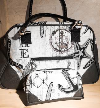 Handtasche und Kosmetiktasche